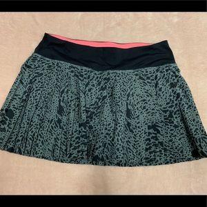 Lululemon Grey Animal Print Pleated Skirt (Size 4)